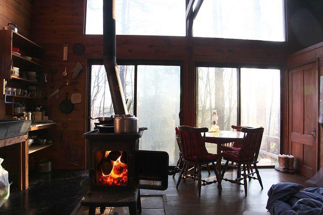 a cozy cabin by Kelly Stuart, via Flickr