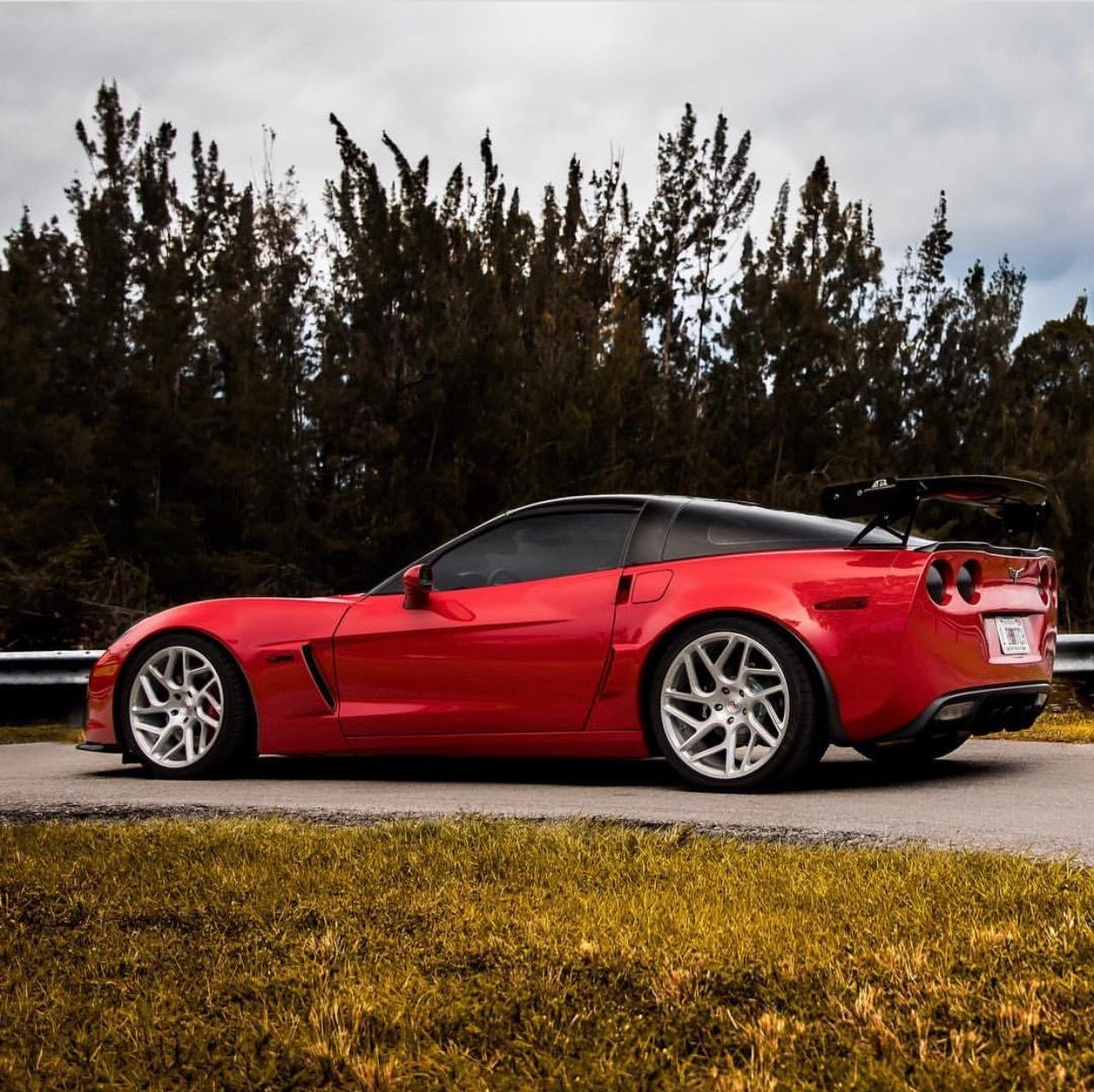Chevrolet Corvette C6 Z06 Painted In Red W A Set Of Vossen Cg 209t Wheels Finished In Brushed Clear P Best Luxury Cars Little Red Corvette Sports Cars Luxury
