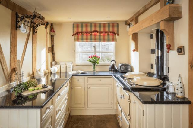 Cream Cottage Kitchen Small Kitchen Ideas Small Kitchen Kitchen Renovation Kitchen Cabinets