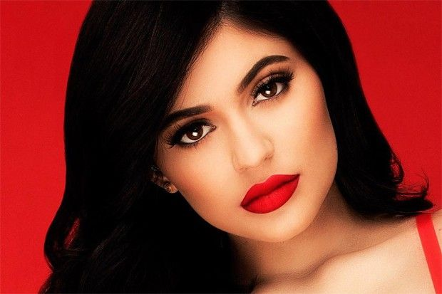 This Is Kylie Jenner S Secret To The Perfect Red Lips Celebuzz