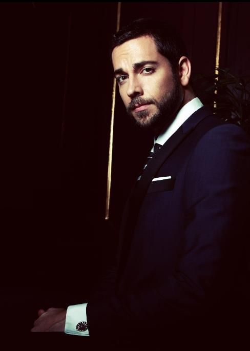 Pin By Caroline Lapointe On Handsome Zachary Levi Good Looking Men Hollywood Photography