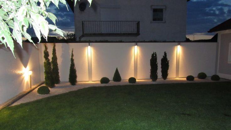 Sichtschutz mit Standardabdeckung und Beleuchtung bei Nacht  Modern is part of Garden landscaping - Sichtschutz mit Standardabdeckung und Beleuchtung bei Nacht Sichtschutz mit Standardabdeckung und Be