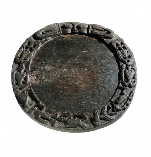 A Yoruba divination tray, Nigeria, 19th century. Size: 42 cm diameter. Photo: Oliver Hoare Ltd.