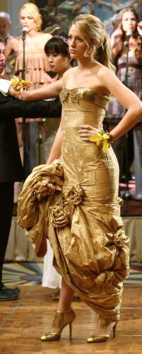 1123eaf9a089 Who made Blake Lively s gold dress that she wore on Gossip Girl ...