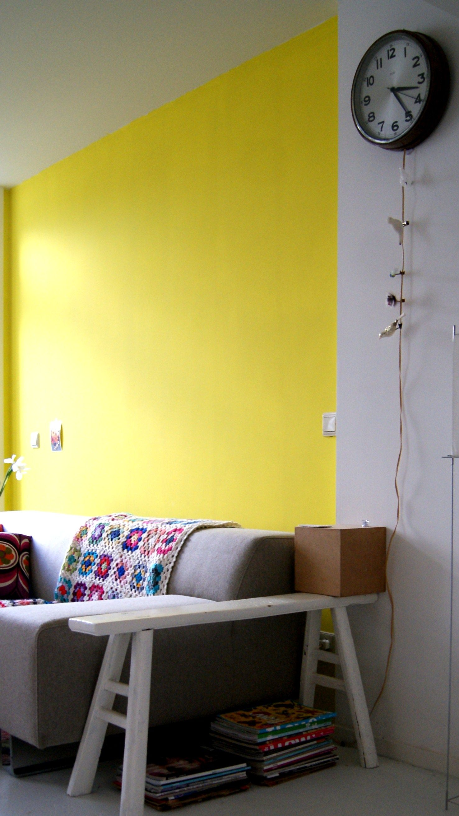 yellow wall in my livingroom | my house in the middle of the street ...