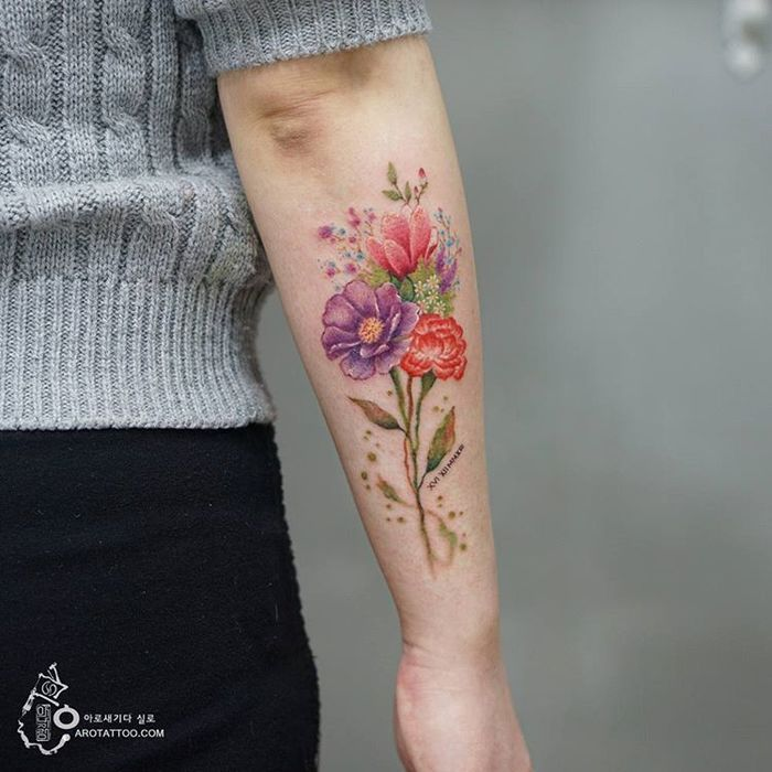 Delicate Floral Tattoo Designs by Tattooist Silo | Beautiful flower ...
