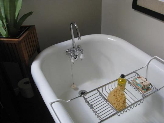 How To Clean An Old Porcelain Enamel Bathtub Or Sink Porcelain Tub