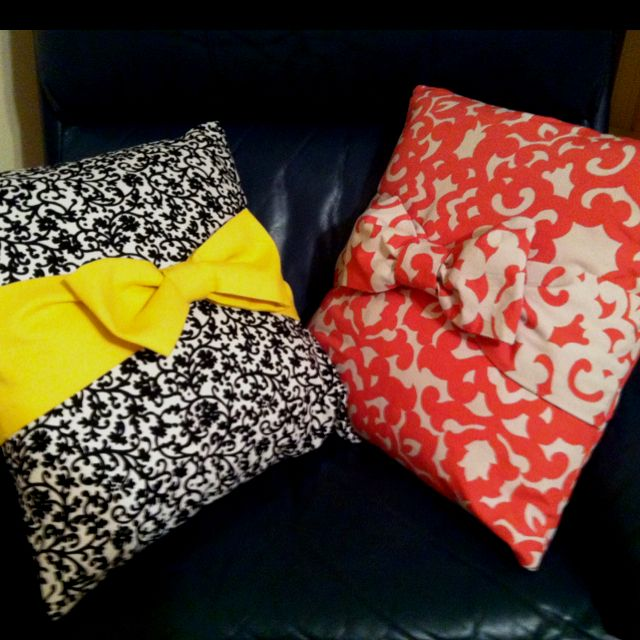 die besten 25 selbstgemachte kissen ideen auf pinterest selbstgemachte kissenbez ge. Black Bedroom Furniture Sets. Home Design Ideas