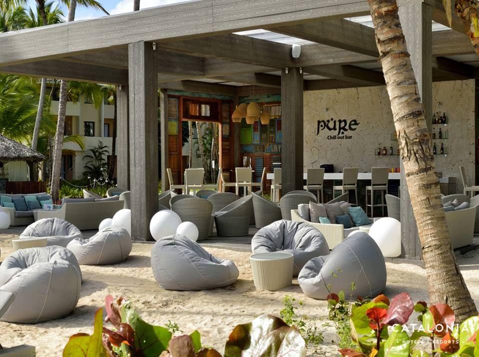 Aquí el tiempo no pasa: Pure Chill Out Bar #CataloniaBavaroBeach  http://www.cataloniacaribbean.com/nuestros-hoteles/catalonia-bavaro-beach/ ↩ #Bar #Relax