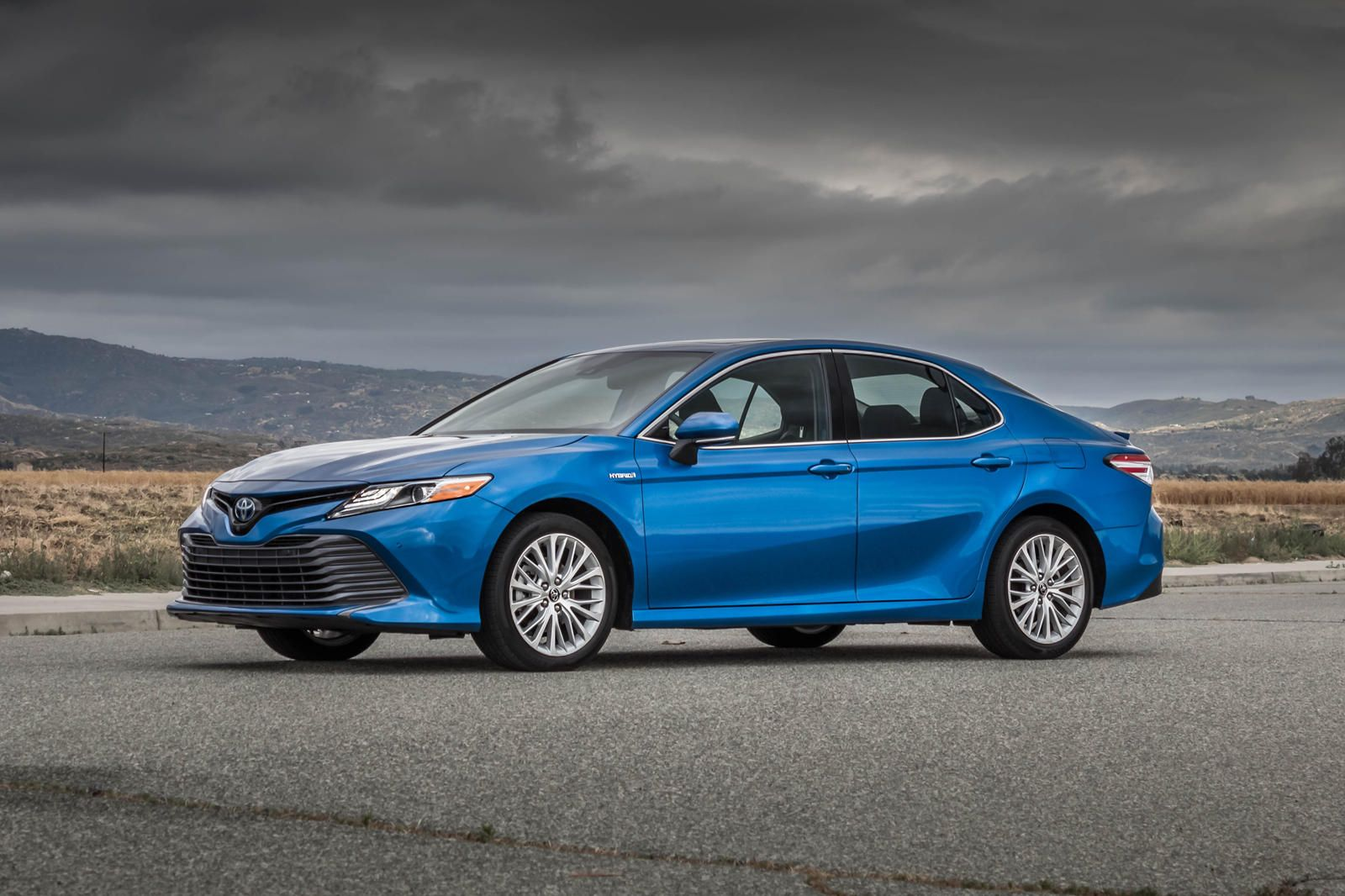 2020 Toyota Camry Hybrid Test Drive Review Being Green Has Never Been So Easy In 2020 Camry Toyota Camry Toyota