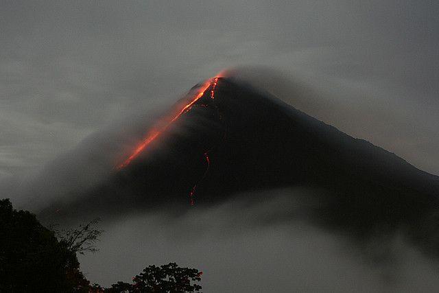 black | foggy | aesthetic | grunge | volcano