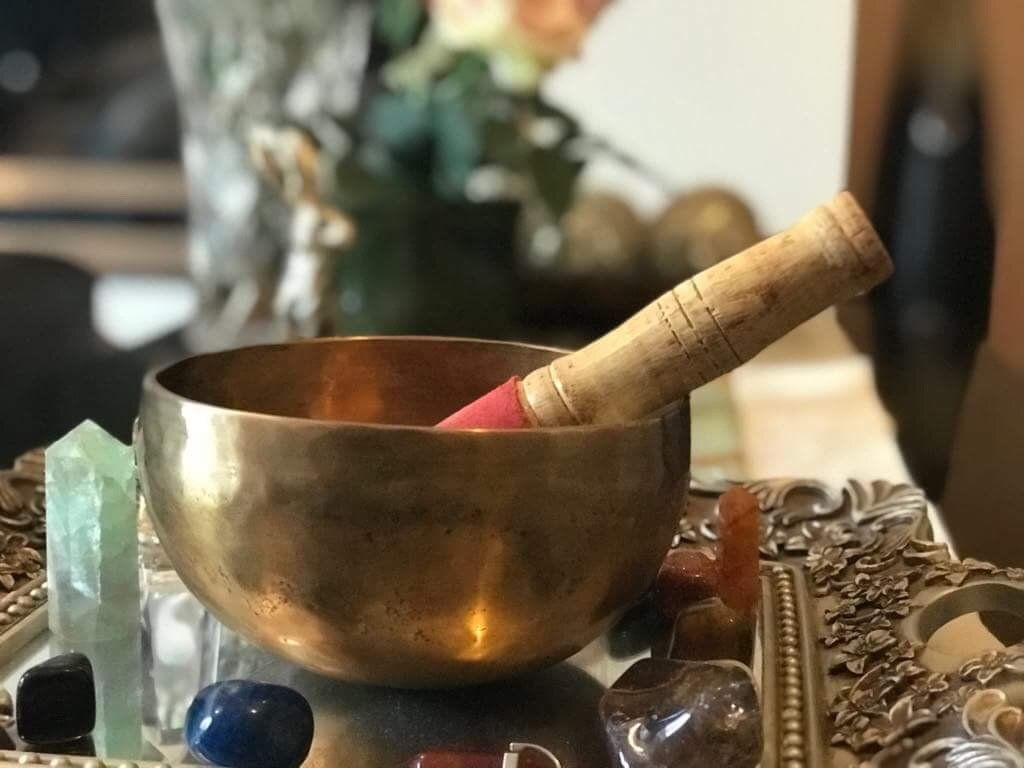 6 amazing benefits of using a singing bowl in 2020