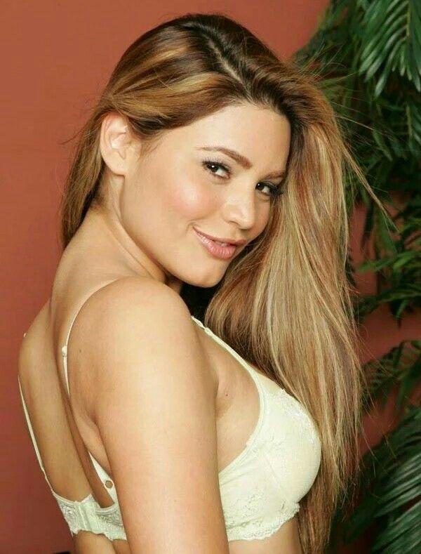 Paola Rey   Paola rey, Beautiful love, Dark star