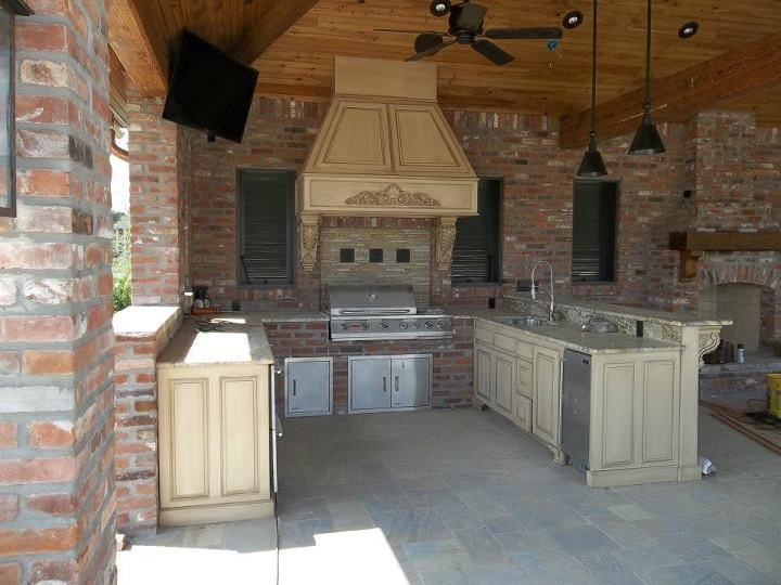 Outdoor Kitchen Angelo S Lawnscape Baton Rouge La Outdoor Kitchen Outdoor Kitchen Patio Covered Patio Design