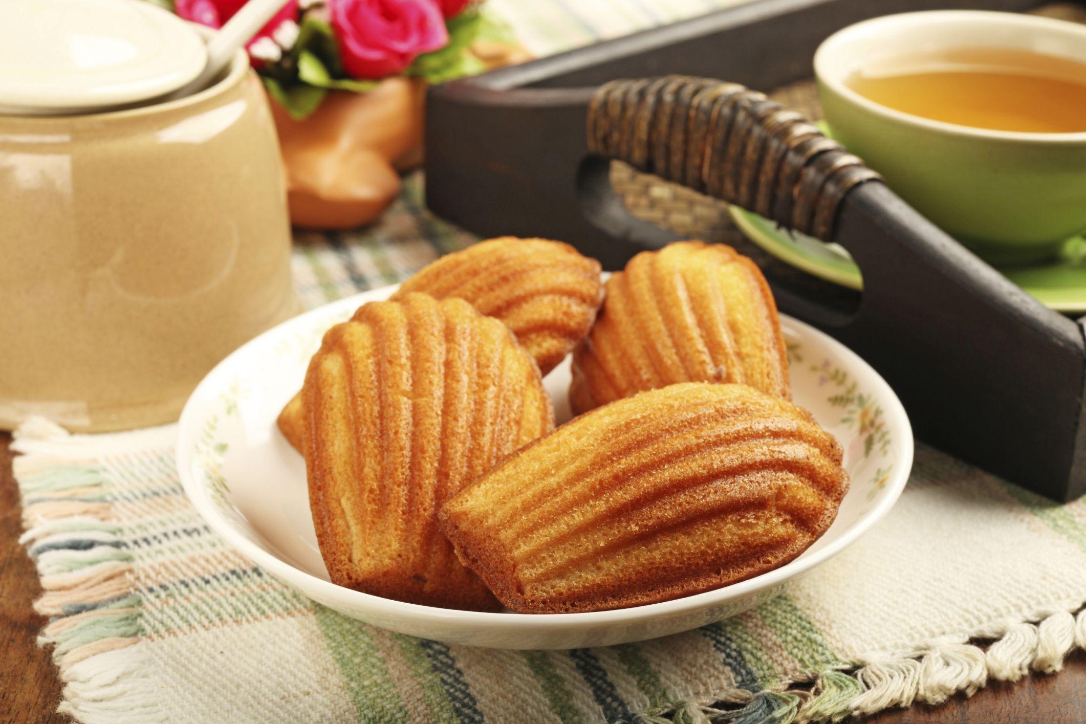 La magdalena es un bocadito perfecto para acompañar un café o un té a mitad de mañana: http://elgour.me/1YibV9w  #elgourmet #TuCanalDeCocina #Dulces