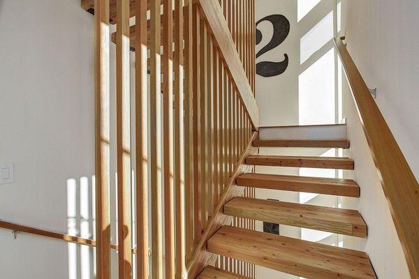 Maison décoration du0027intérieur avec des idées du0027escalier en bois et - mur en bois interieur