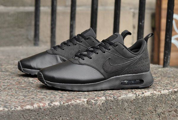 ... nike air max tavas leather triple black 3