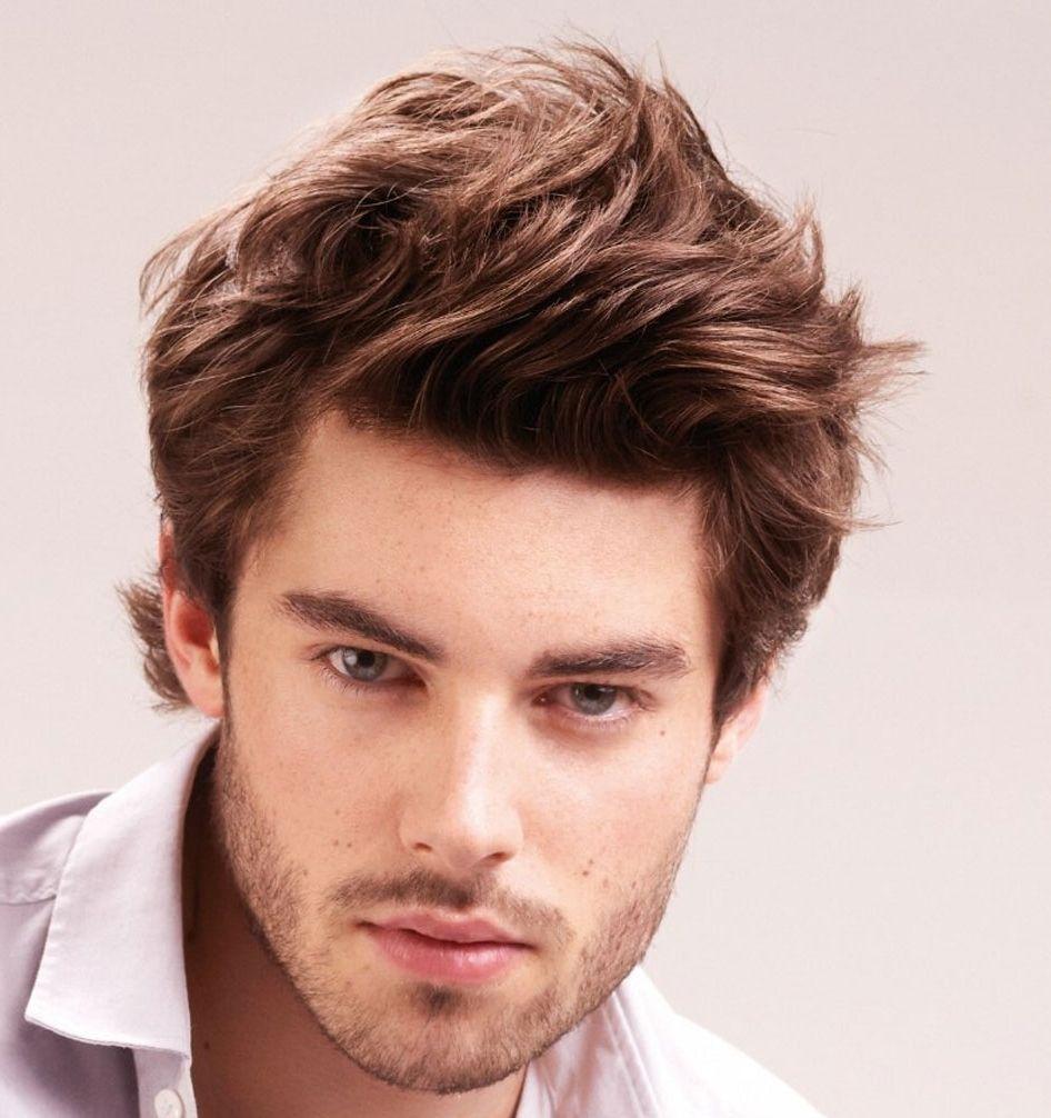 Medium Frisur Für Männer Mit Glattem Haar Das Medium