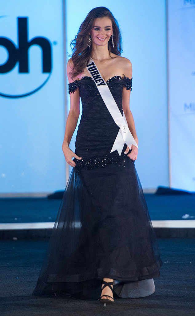 Miss Turkey from Miss Universe 2017 Evening Gown Competition   ss ...