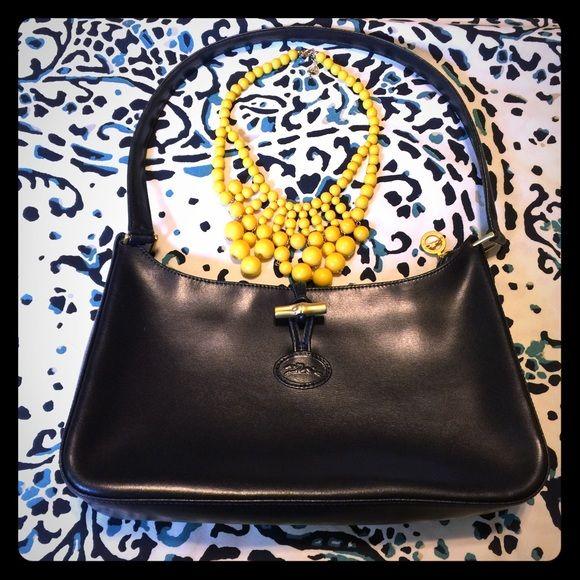 Longchamp Roseau Shoulder Bag Navy blue Longchamp shoulder bag. Authentic  and in excellent condition. Measures 13