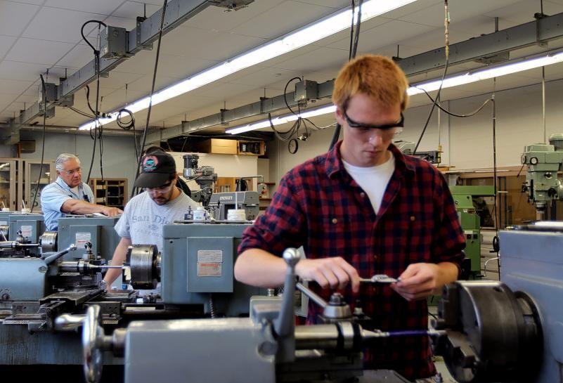 NHTI hosts open house celebrates New Hampshire Manufacturing Week