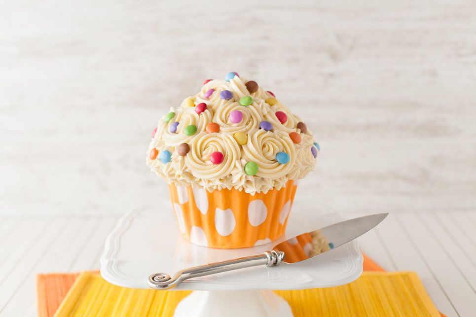 What's better than a cupcake? A giant cupcake cake! This novelty cake is a lot of fun to decorate and the options are endless. This cake is made best with a firmer sponge recipe, and this vanilla sponge is just delicious. Get the full recipe here http://www.ilovecooking.ie/recipe/giant-cupcake-cake/