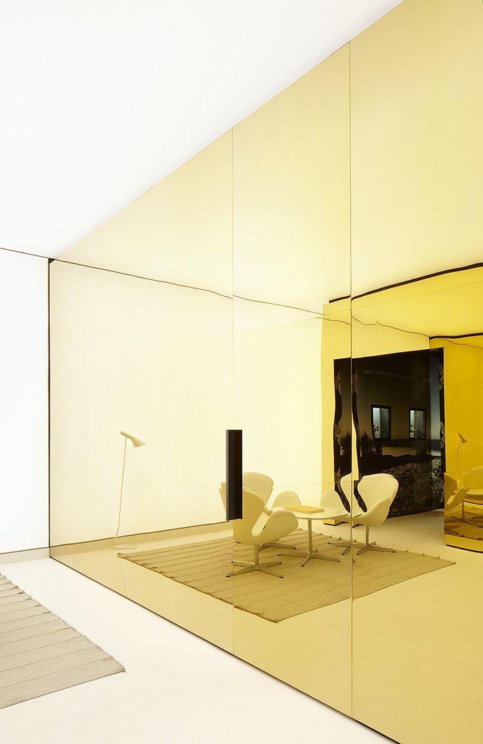 Golden Mirrored Panels Interior Design Trends Interior Architecture Design Tinted Mirror