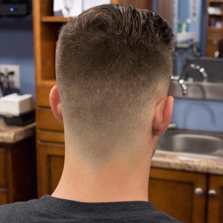 Die besten 25 fade haarschnitt ideen auf pinterest fade - Bob silberblond ...