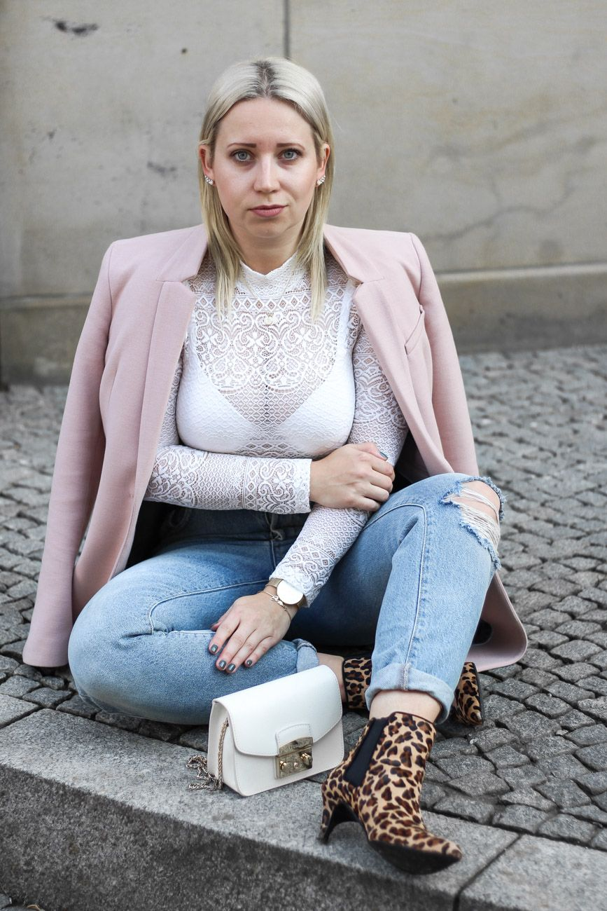 Mom Jeans Leo Booties Longblazer Fashion And Style Fashion Mom Jeans Und German Fashion