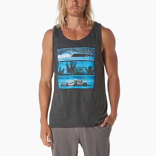 Perfect attire for the trip of a lifetime, the Reef Tri Bar men's Tank features a ribbed sleeve & collar trim with a clip label on bottom hem.
