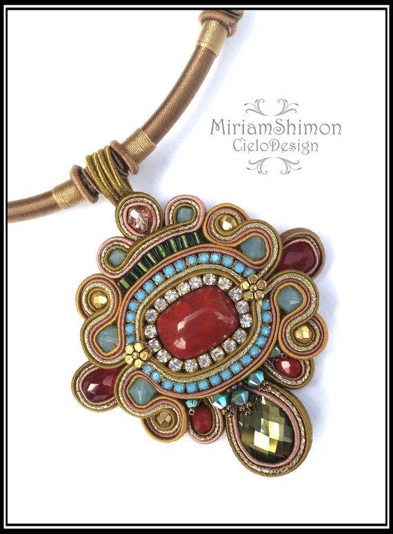 88cbc3091a06 Colgante Soutache venta ON mostaza turquesa rojo y por MiriamShimon ...
