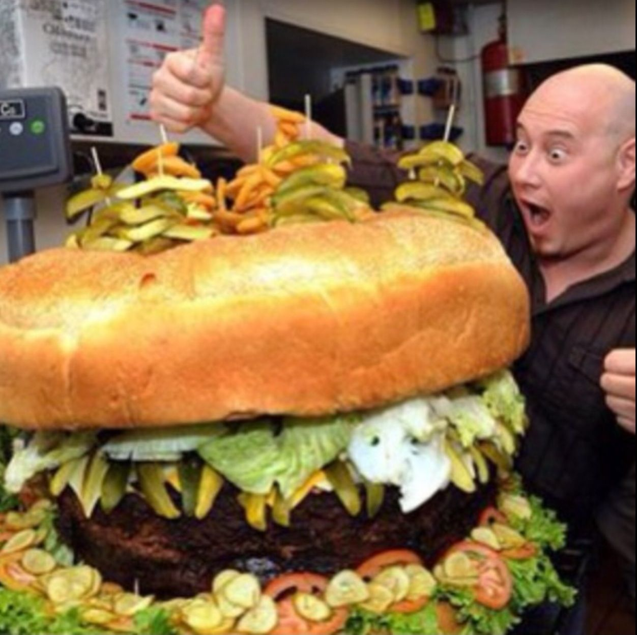 Largest hamburger | World Records | Big burgers, Big meals ...