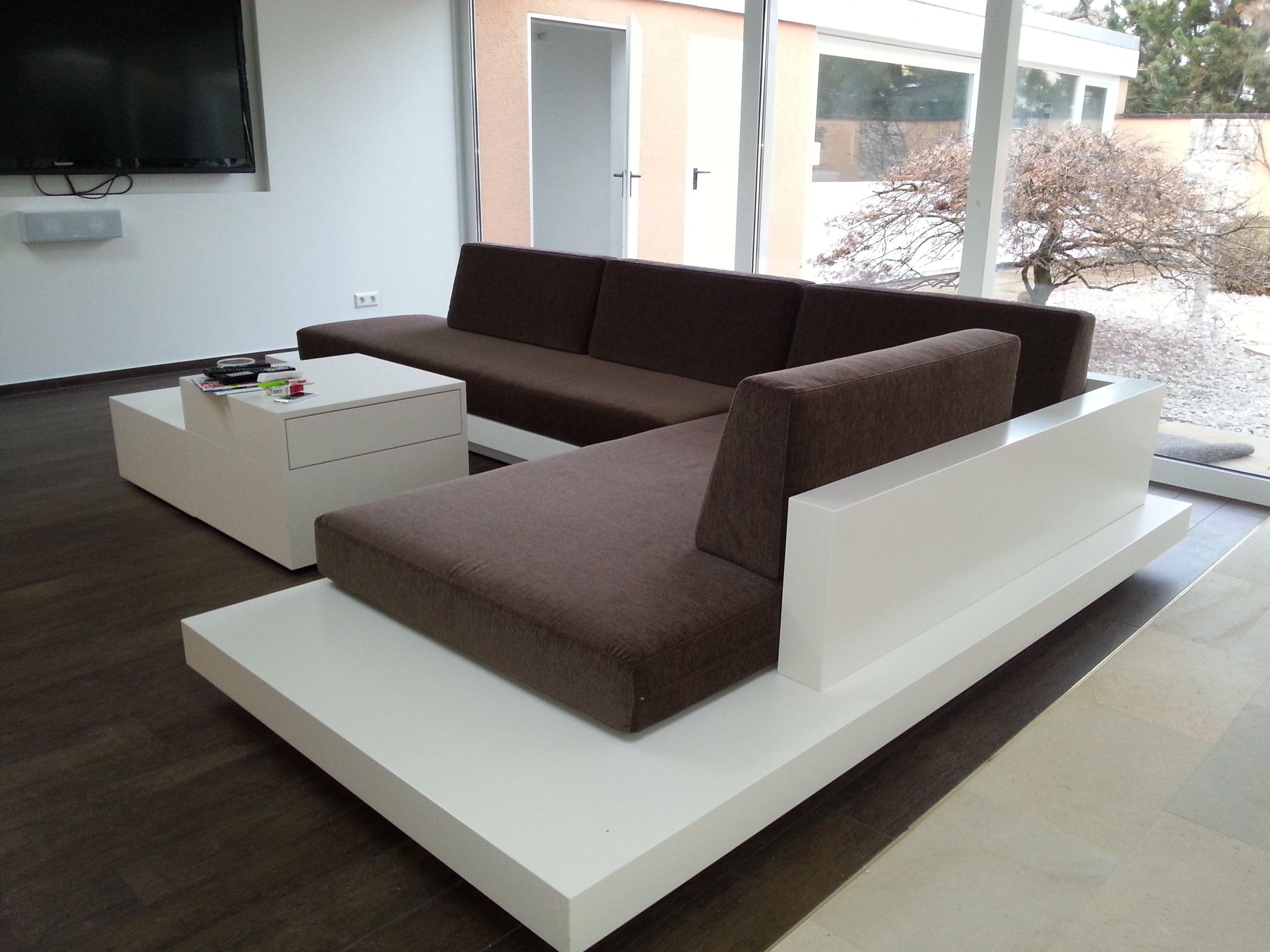 Couch Mit Indirekter Beleuchtung Innenarchitektur Zeitgenossische Mobel Kleines Zuhause