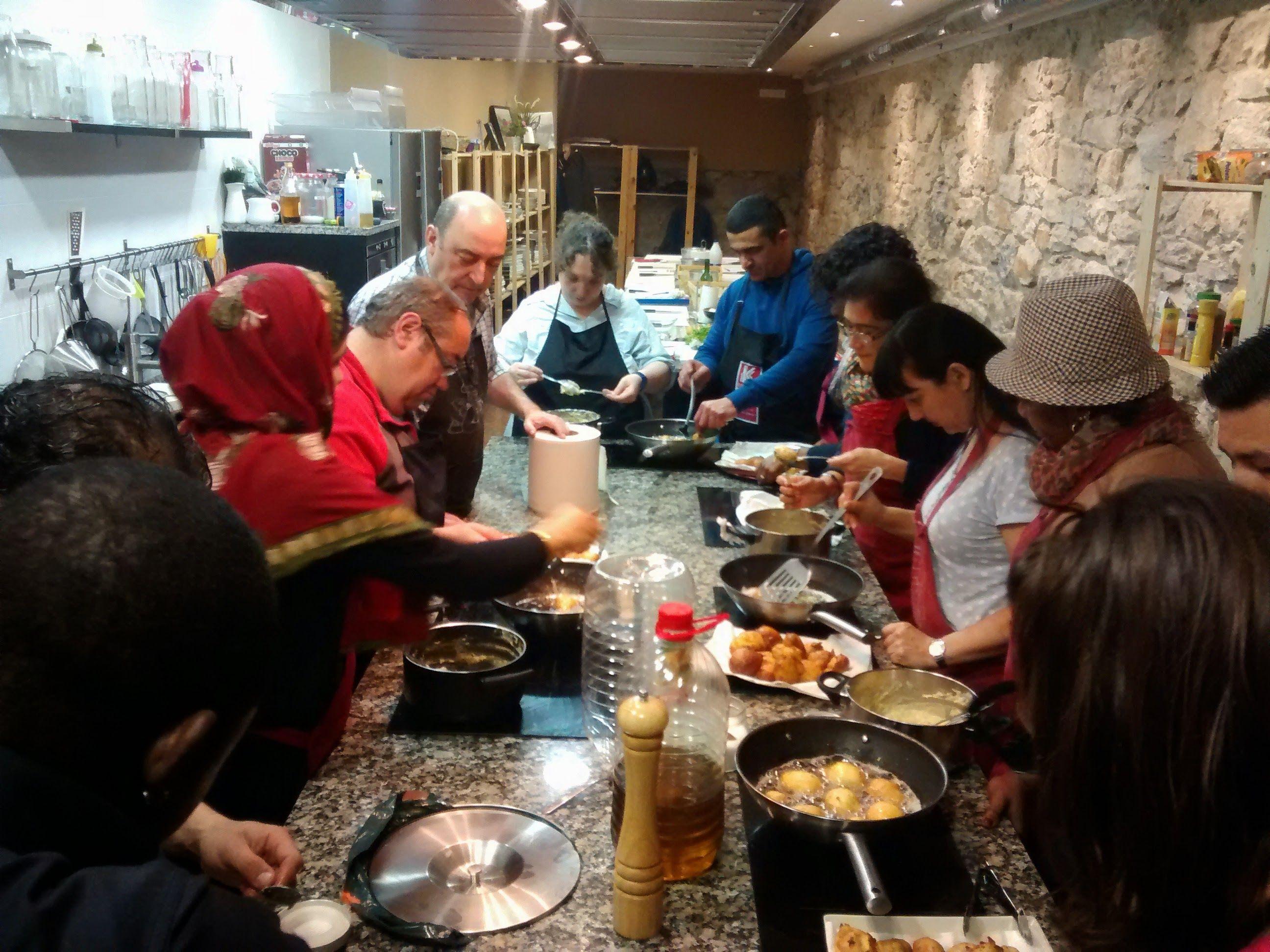 Cursos De Ayudante De Cocina   Participantes De Plan De Empleo De Cruz Roja Bilbao