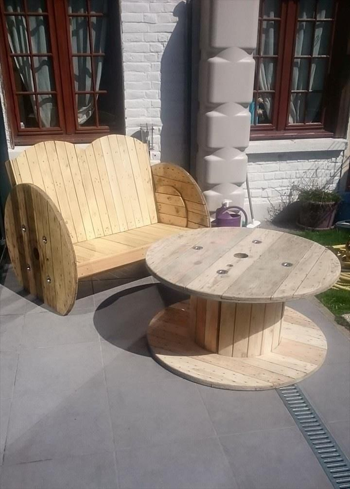 Pallet Wood and Cable Spool #Garden #Bench   101 Pallet Ideas ...