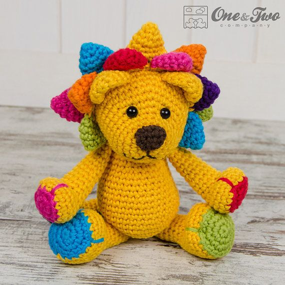 Logan the Lion Amigurumi PDF Crochet Pattern por oneandtwocompany