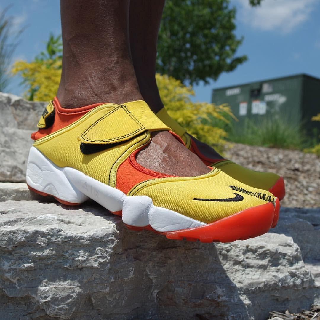 Nike Air Rift: Yellow/Orange
