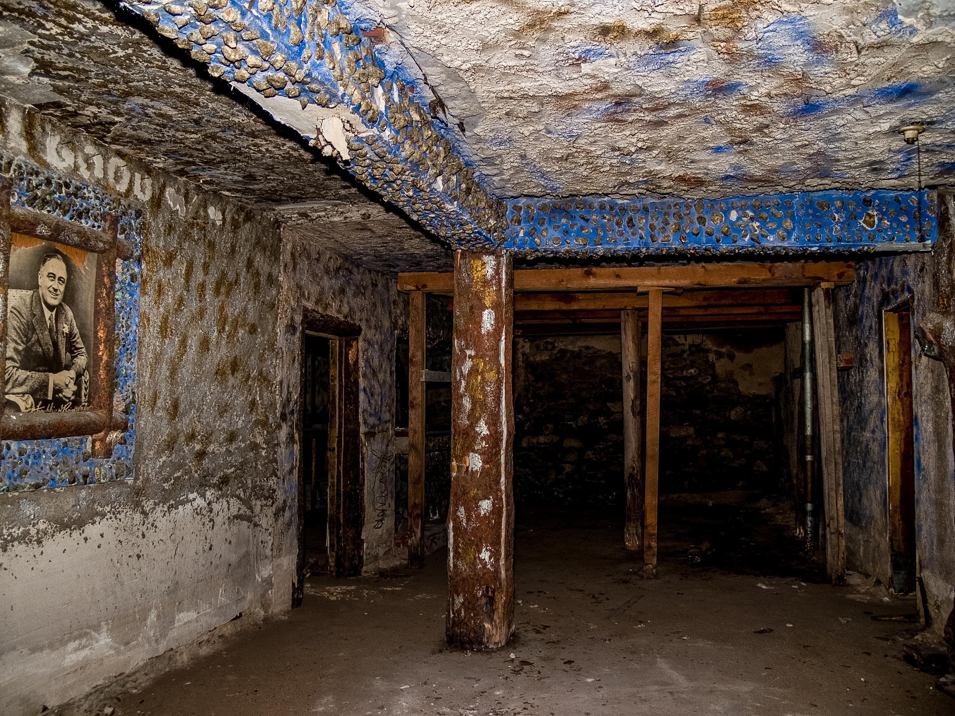Prescott Underground Tunnels (Williams: transporting