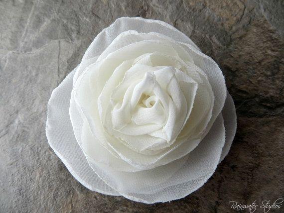 Ivory Wedding Hair Flower Ivory Hair por AnnaDelphiaBridal en Etsy