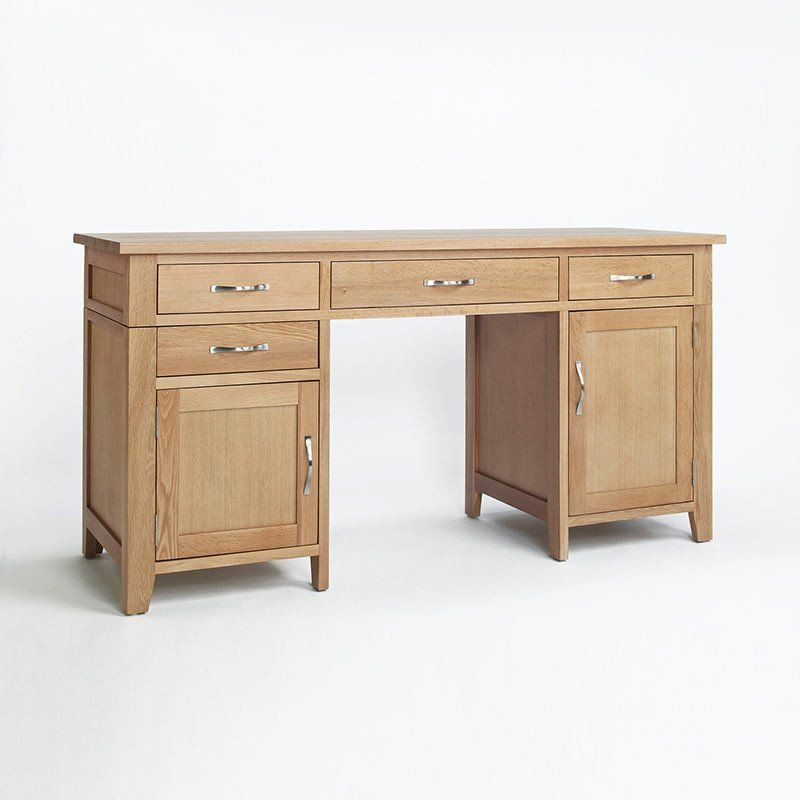 Carefully Crafted Solid Sherwood Oak Double Pedestal Desk 4 Drawers Pull Out  Keyboard