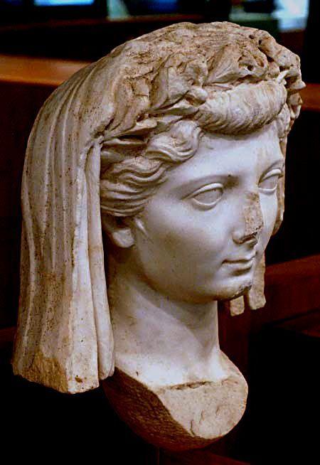 Formas modernas de peinados romanos Fotos de cortes de pelo Consejos - Va de peinados (a la romana) | Romanos, Peinados romanos ...