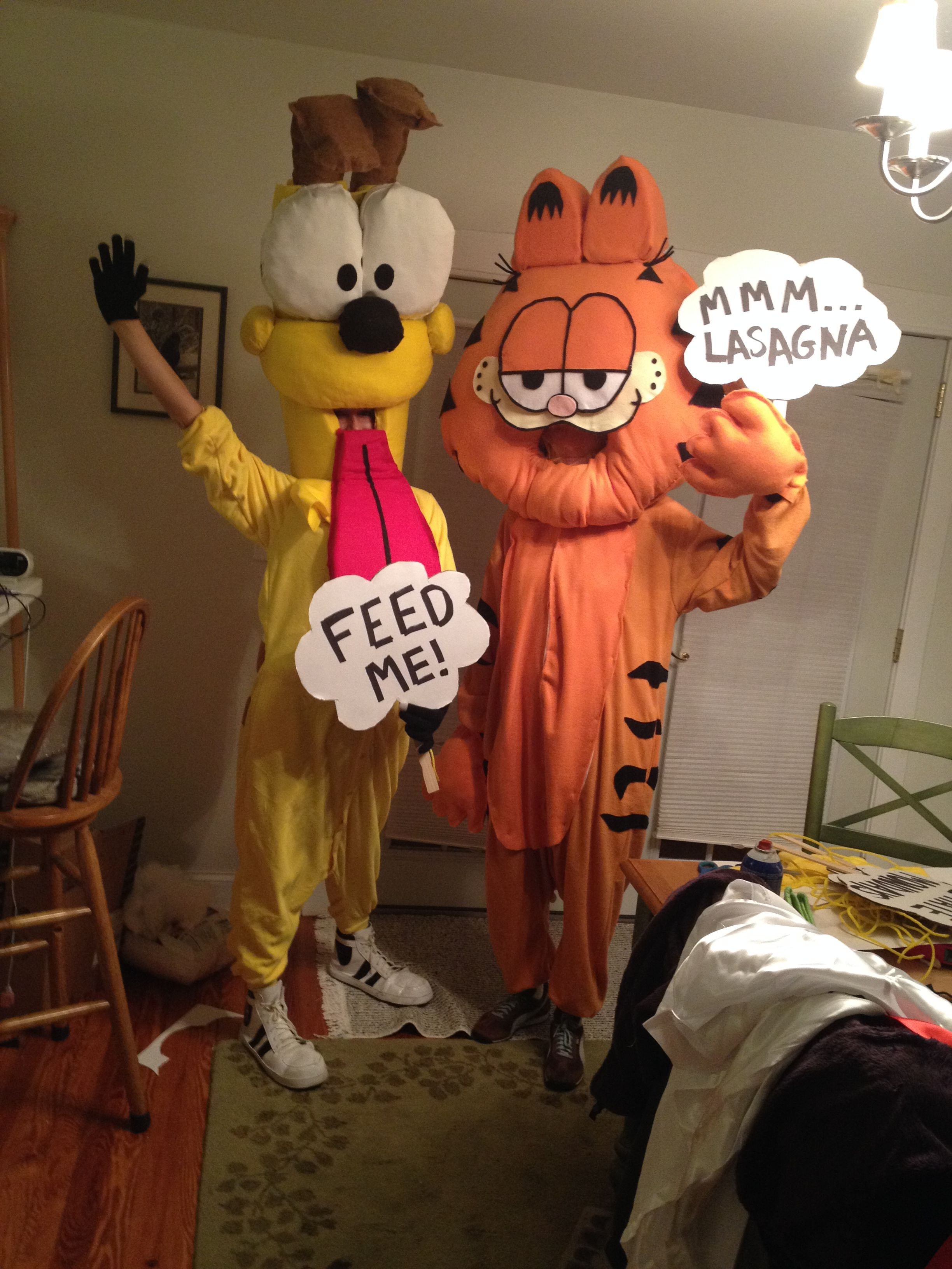 Garfield And Odie Homemade Costumes Halloween Customes Garfield And Odie Garfield Halloween