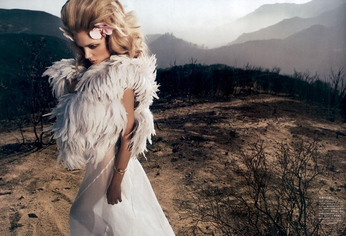 Toujours en Vogue: WHITE #editorial #white #dress #weddingdress #wedding #editorial #vogue #magazine #model #girl #light #people #pretty #gorgeous #beautiful
