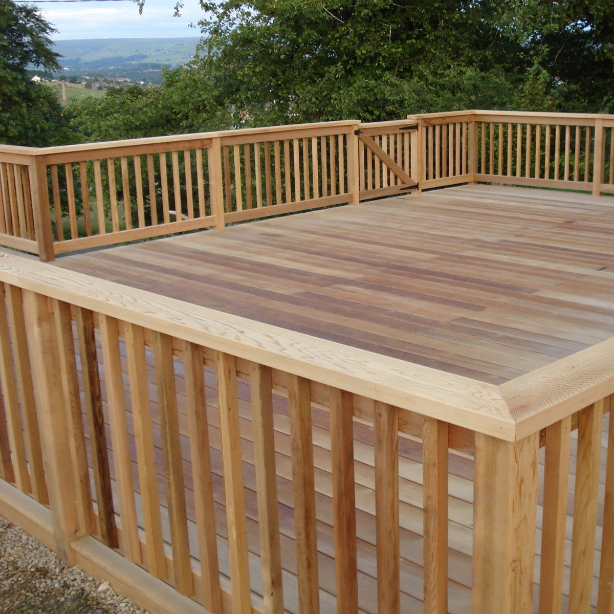 Best Wood Deck Railing Design Ideas View Plenty Deck Railing 400 x 300