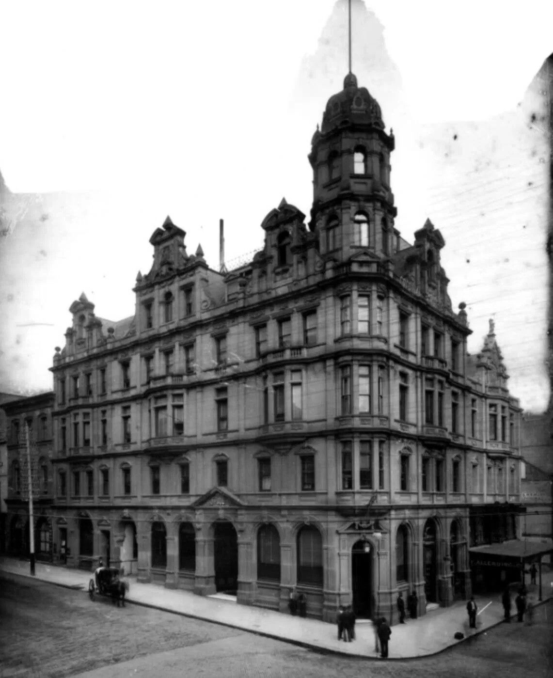 Empire Hotel at the corner of Pitt and Hunter Streets