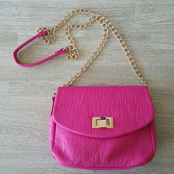 Fuschia Pink Purse w/ Gold Chain + Hardware Very nice quality purse, in very good condition. Used once for a night out! Please see second picture for size :) Bags Crossbody Bags