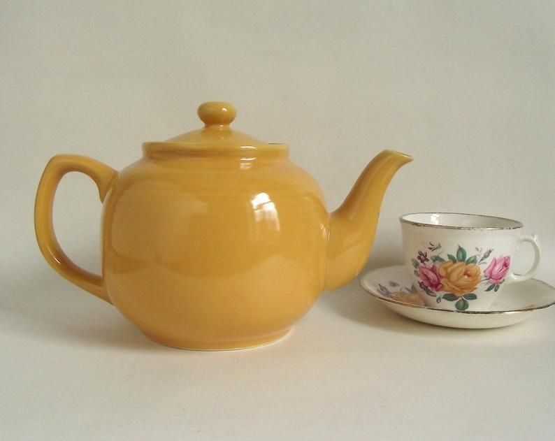 Windsor Teapot By Old Amsterdam Porcelain Works Vintage 6 Etsy Tea Pots Ceramic Teapots Glazed Ceramic