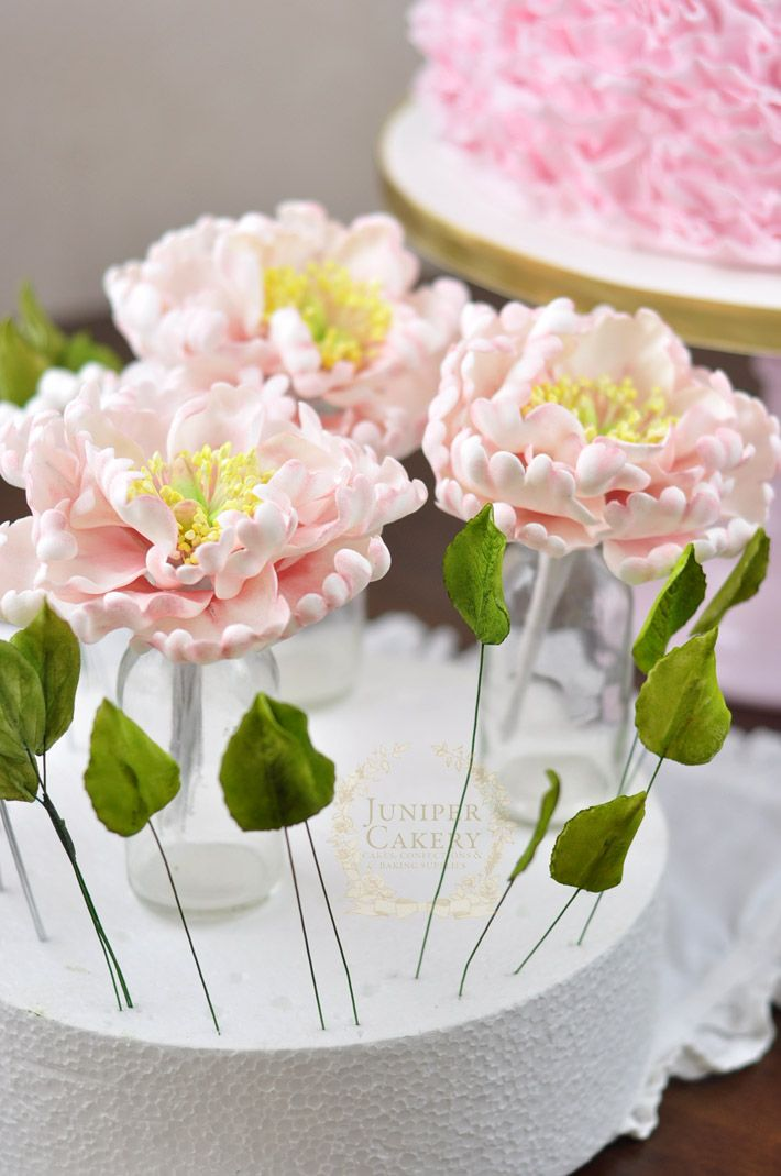 How to make an artificial flower cake topper