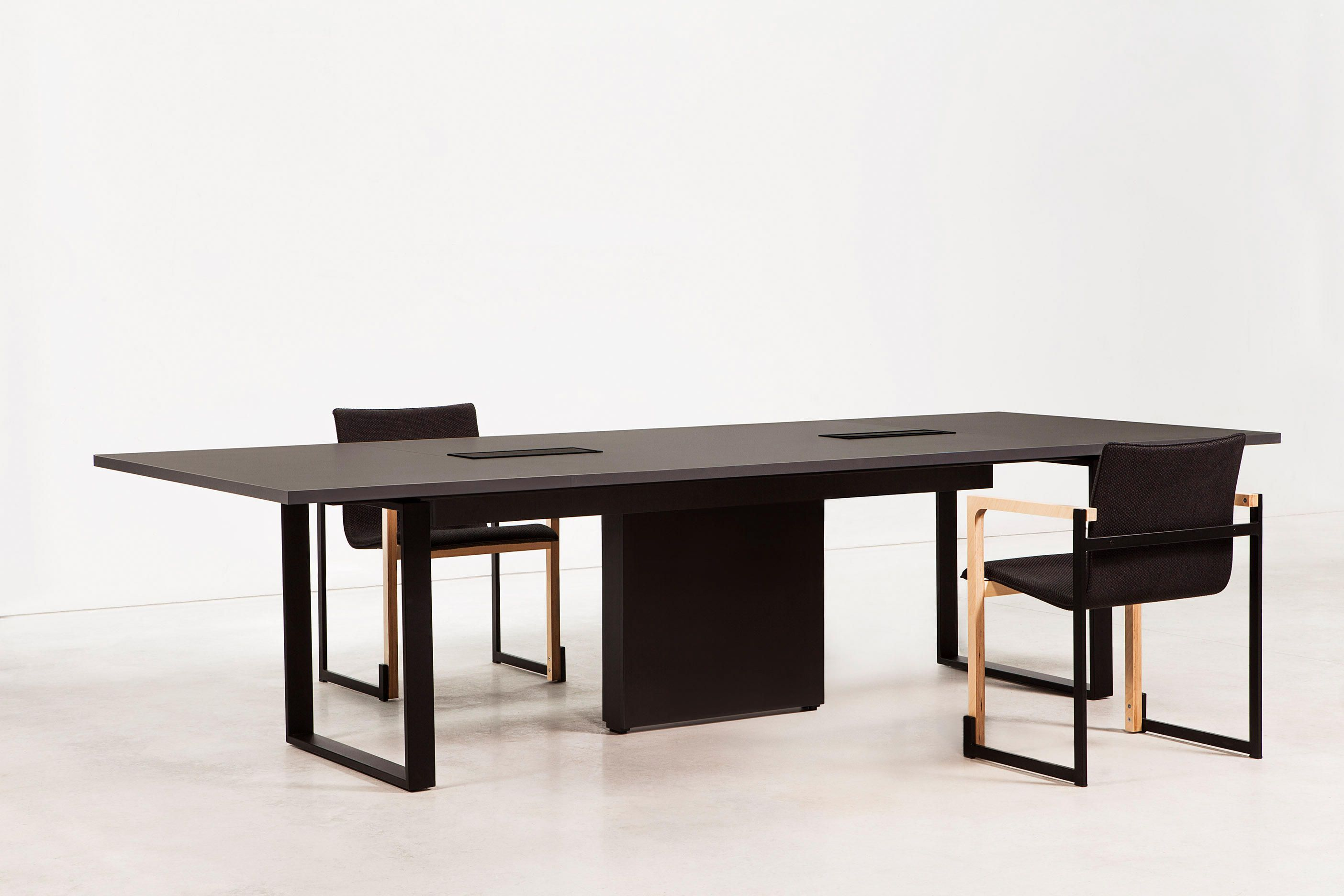 Bat Office By Francesc Rifé For Akaba Architonic Nowonarchitonic Interior Design Furniture Table Contract Black Meeting