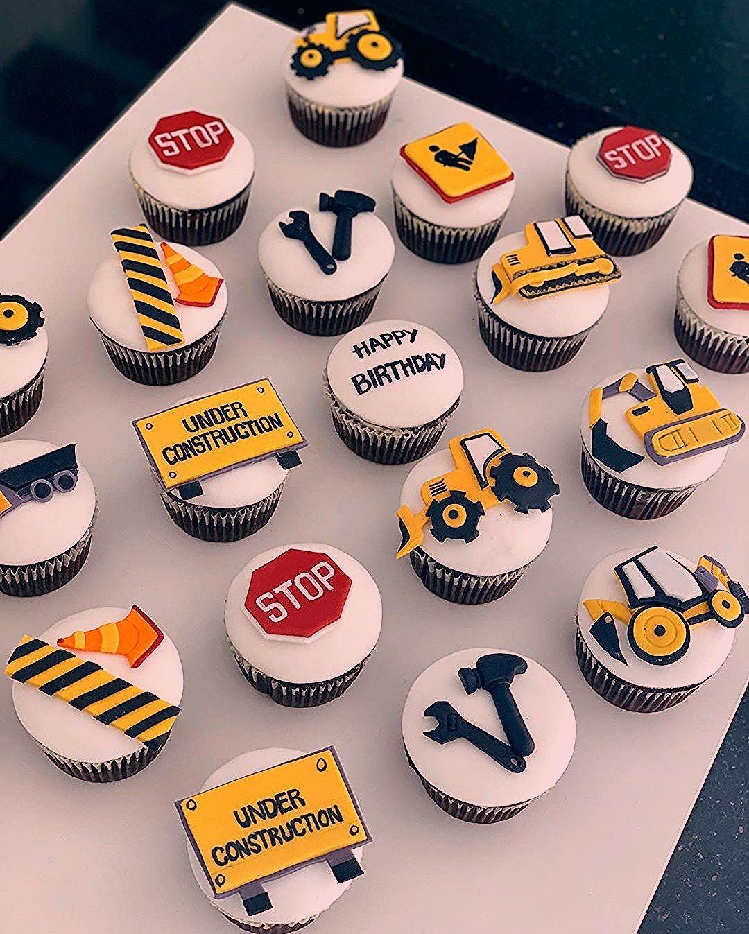 Construction Cupcakes Construction Themed Party Customized Cakes In Abu Dhabi كيك عيد ميلاد للاولاد كيك مهندس تخر Construction Birthday Food Birthday